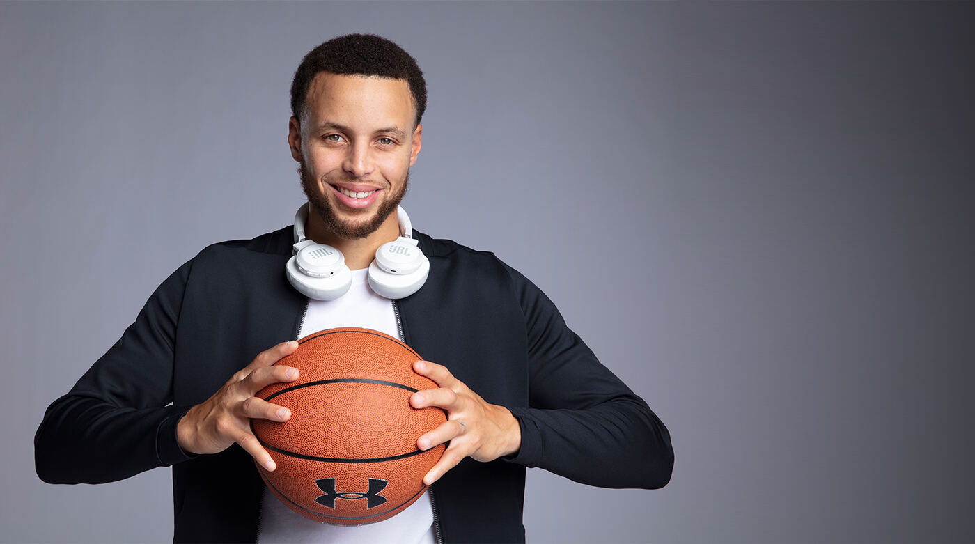 <span>Stephen Curry</span> <br>x<br> <span>Team JBL</span>